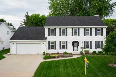 Neenah Single Family Home Active-Offer No Bump: 1172 Westwind