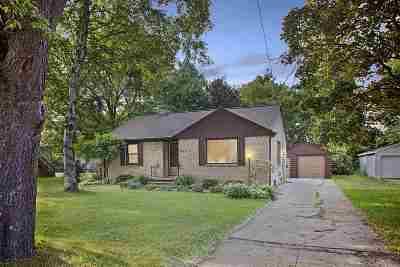 Green Bay Single Family Home Active-Offer No Bump: 1743 Eastman