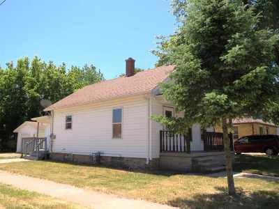 Menasha Single Family Home Active-Offer No Bump: 847 3rd