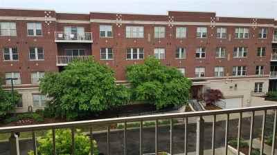 Green Bay Condo/Townhouse Active-Offer No Bump: 118 S Washington #329A