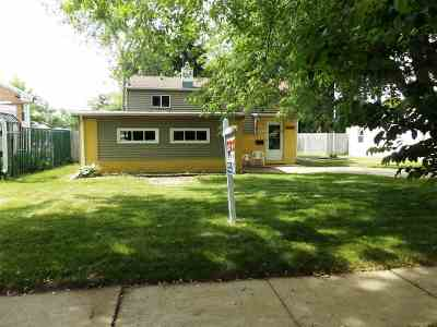 Menasha Single Family Home Active-Offer No Bump: 721 Carver