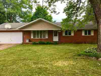 Shawano Single Family Home Active-No Offer: 127 N Humphrey