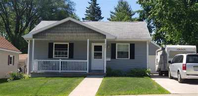 Kaukauna Single Family Home Active-No Offer: 105 W 15th