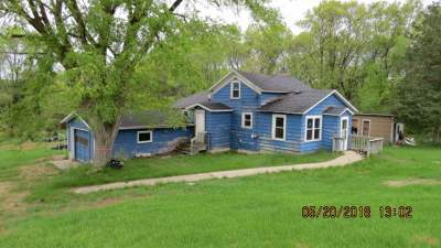 Single Family Home Active-No Offer: N5803 Hwy T