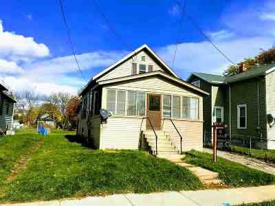 Single Family Home Active-No Offer: 612 Bay Shore