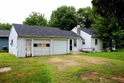 Menasha Single Family Home Active-Offer No Bump: 1022 Brighton