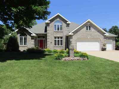 Neenah Single Family Home Active-No Offer: 1630 Gershwin