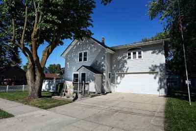 Gillett Single Family Home Active-No Offer: 108 S Oak