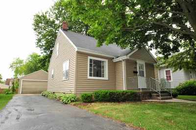 Menasha Single Family Home Active-Offer No Bump: 809 7th