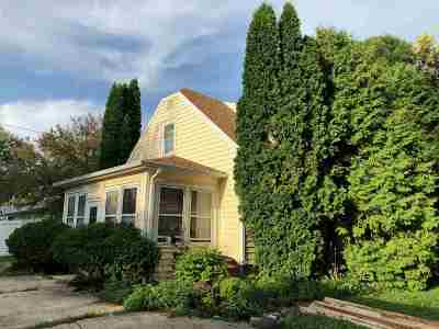 Menasha Single Family Home Active-No Offer: 1356 Racine