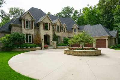Neenah Single Family Home Active-No Offer: 7937 Ashwood