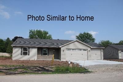 Kaukauna Single Family Home Active-Offer No Bump: 1432 Mera