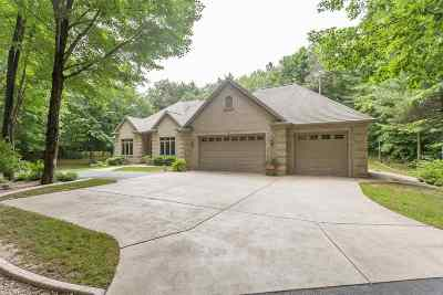 Sobieski Single Family Home Active-No Offer: 7146 Spring Lake