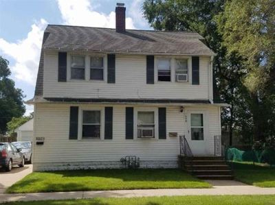 Green Bay Multi Family Home Active-No Offer: 1608 Preble