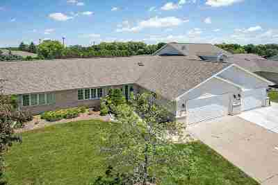 Green Bay Condo/Townhouse Active-No Offer: 1506 River Pines