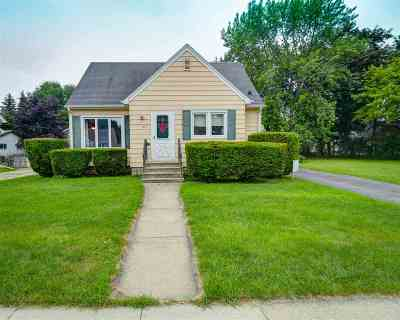 Neenah Single Family Home Active-Offer No Bump: 529 Fairview