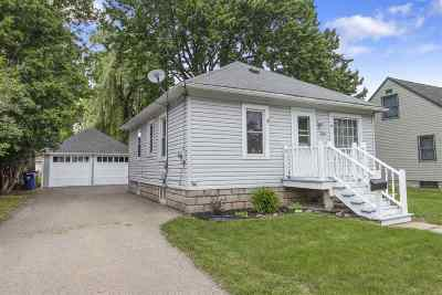 Menasha Single Family Home Active-Offer No Bump: 636 7th