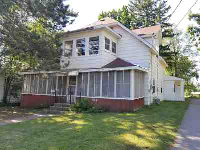 Waupaca Multi Family Home Active-No Offer: 611 W Fulton