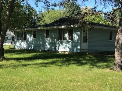 Marinette County Multi Family Home Active-No Offer: 1201 2nd