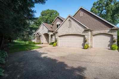 Neenah Single Family Home Active-No Offer: 2728 Oakridge