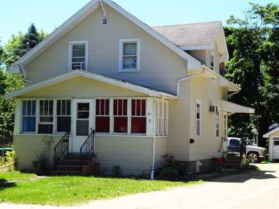 Menasha Multi Family Home Active-No Offer: 211 Broad