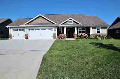 Green Bay Single Family Home Active-No Offer: 341 Crosswinds