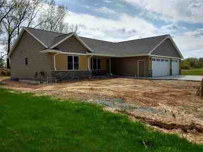 Pulaski WI Single Family Home Active-Offer No Bump: $259,900