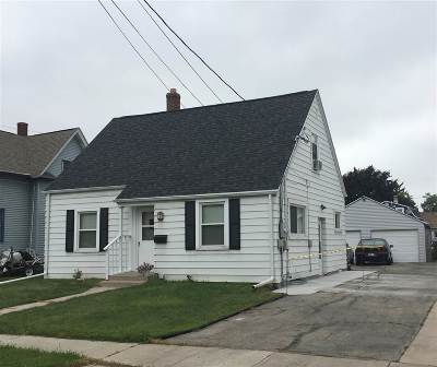 Menasha Multi Family Home Active-Offer No Bump: 804 6th