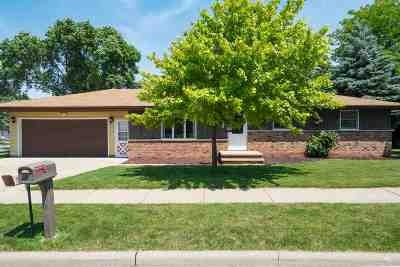 Little Chute Single Family Home Active-Offer No Bump: 800 Briarwood