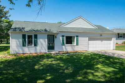 Neenah Single Family Home Active-Offer No Bump: 1233 W Winneconne