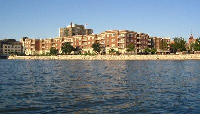 Green Bay Condo/Townhouse Active-No Offer: 118 S Washington #421B