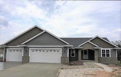 Green Bay Single Family Home Active-No Offer: 3538 Bay Harbor