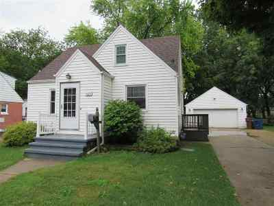 Menasha Single Family Home Active-No Offer: 929 Plank