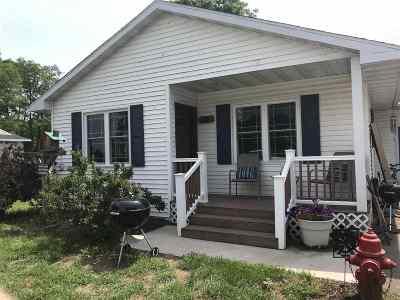 Gillett Single Family Home Active-No Offer: 530 E Washington