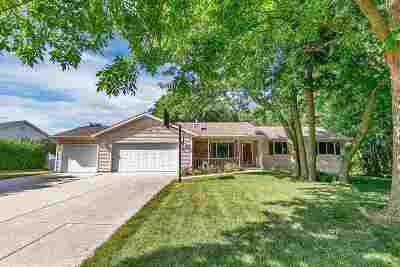 Luxemburg Single Family Home Active-Offer No Bump: 120 Woodview