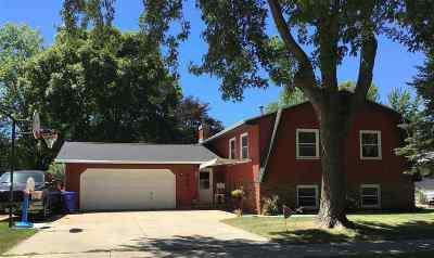 Kaukauna Single Family Home Active-Offer No Bump: 1809 Thelen