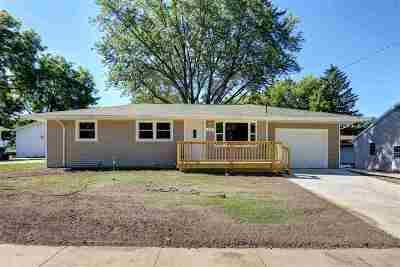 Kaukauna Single Family Home Active-Offer No Bump: 713 W 9th