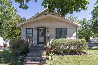Little Chute Single Family Home Active-Offer No Bump: 824 Park