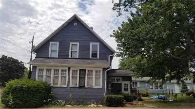 Kaukauna Single Family Home Active-No Offer: 1011 Kenneth
