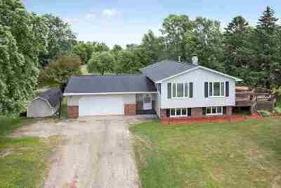 Oconto Single Family Home Active-Offer No Bump: 6078 Hwy J