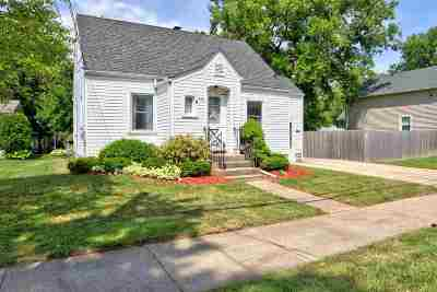 Menasha Single Family Home Active-No Offer: 650 De Pere