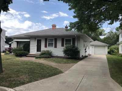 Appleton Single Family Home Active-No Offer: 1128 Oakcrest