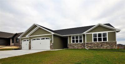 Green Bay Single Family Home Active-No Offer: 1326 Buckys Run