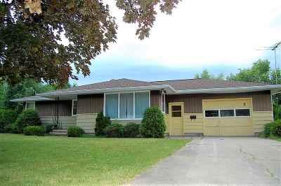 Oconto Single Family Home Active-No Offer: 131 Quincy
