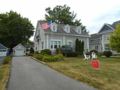 Oshkosh Single Family Home Active-No Offer: 525 Hazel