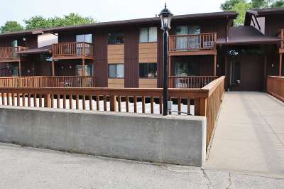 Green Bay Condo/Townhouse Active-No Offer: 2672 Humboldt #6
