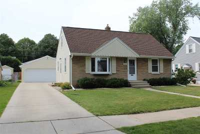 Green Bay Single Family Home Active-Offer No Bump: 901 Lark