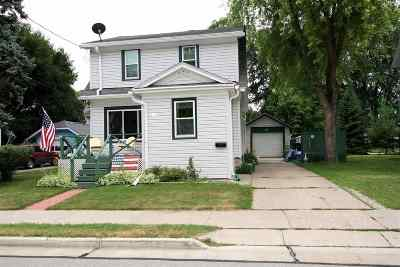 Appleton Single Family Home Active-No Offer: 111 W Brewster