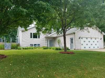 Oshkosh Single Family Home Active-No Offer: 3393 Harbor Bay