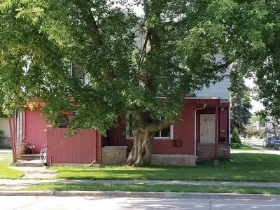 Oshkosh Multi Family Home Active-No Offer: 217 W Irving